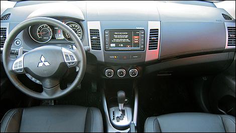 Mitsubishi-Outlander-201